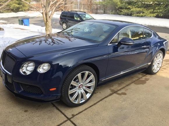 Theo tìm hiểu thì tại thị trường Mỹ, chiếc Bentley Continental GT V8 S được bán với giá khởi điểm 202.425 USD, tương đương 4,4 tỷ đồng.