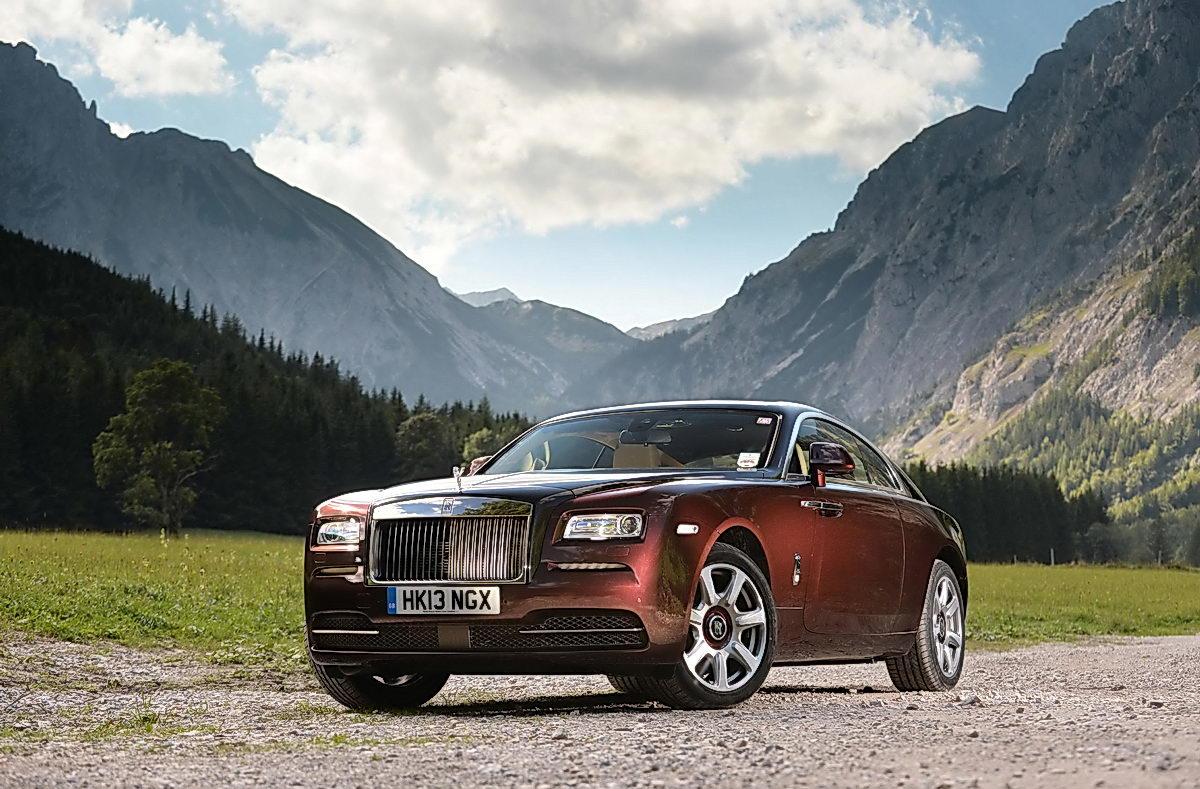 Trên thế giới, Rolls-Royce Wraith có rất nhiều phiên bản màu với hình dáng bắt mắt và vô cùng sắc nét