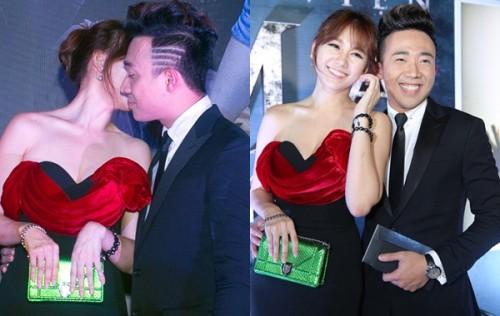 Ở một sự kiện khác, cặp đôi quấn quýt, vui vẻ bên nhau không rời