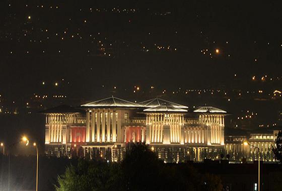 Cung điện này có giá xây dựng lên đến 500 triệu bảng (Gần 800 triệu USD).