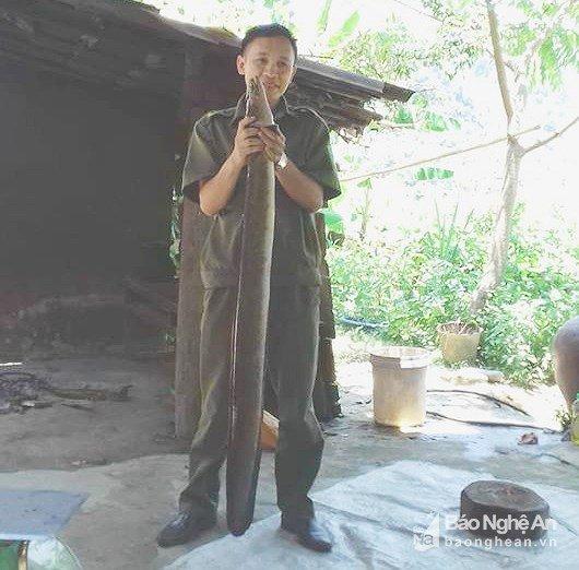 nghe-an-xon-xao-nong-dan-lai-bat-duoc-ca-chinh-nang-khung-6-kg-dai-13m