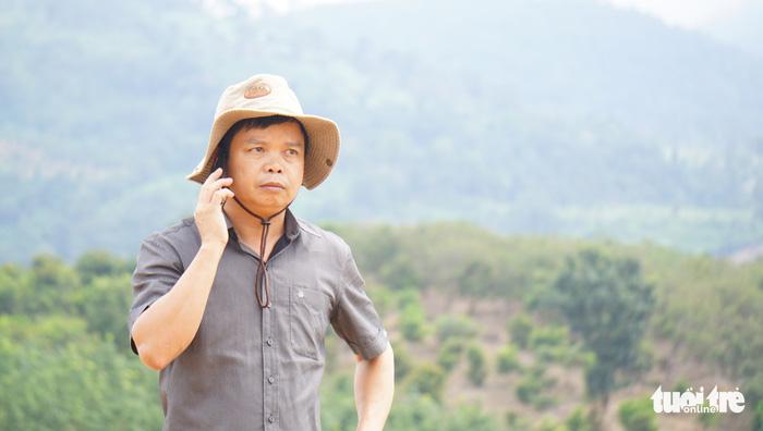 mac-do-thuong-dan-vi-hanh-xuong-xa--bi-thu-huyen-bi-can-bo-xa-tron-mat-quat-thao