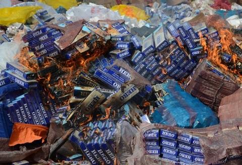 Trong thuốc lá lậu có chứa chất gây bệnh ung thư nguy hiểm