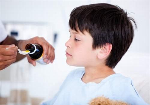 Cơ quan dược phẩm cảnh báo thận trọng khi sử dụng thuốc trị ho và cảm cúm kéo dài