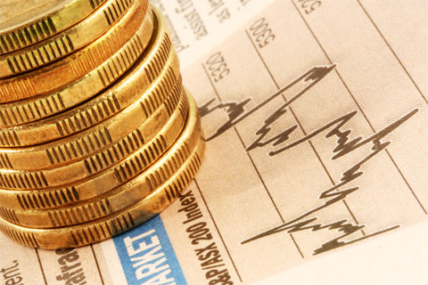 Giá vàng thế giới tụt giảm thấp nhất trong 4 tháng qua
