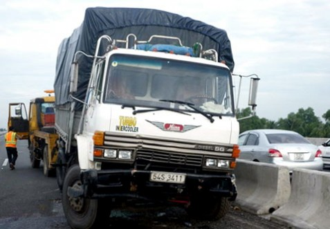 Xe tải Trung Quốc giá rẻ gây tại nạn