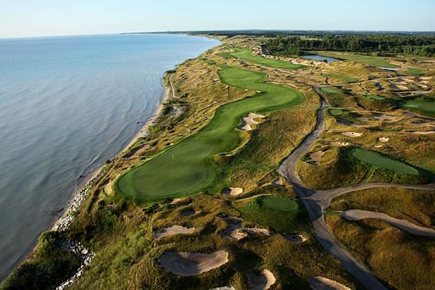 sân golf Tiêu chuẩn quốc tế