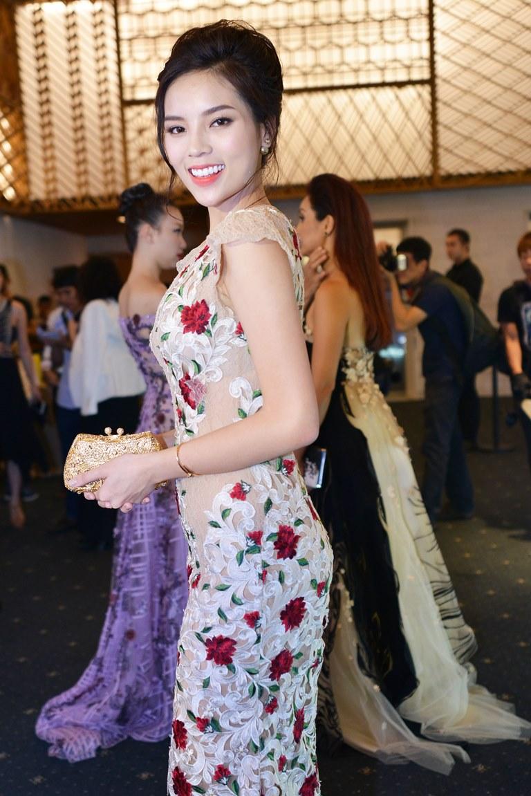 Hoa hậu Kỳ Duyên là một 'người tình' trong BST lần này của Hoàng Hải.
