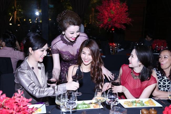 Đây dường như là lần đầu tiên Thanh Mai tăng cân quá đà.