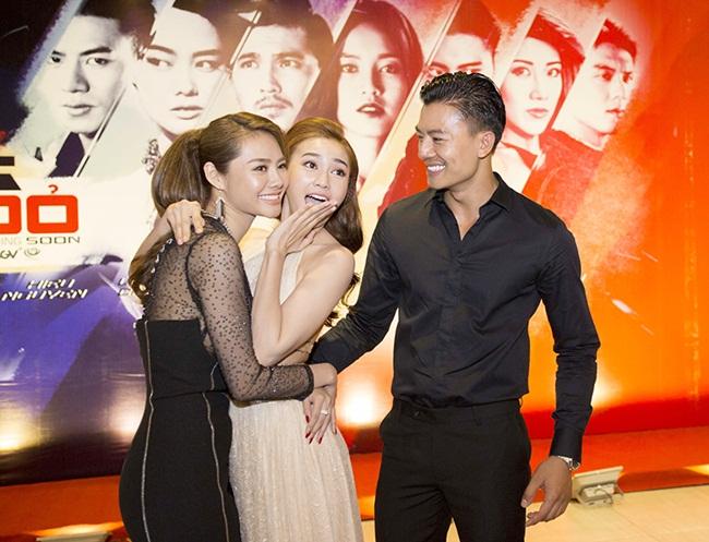 Đảm nhận vai nữ chính cũng là nữ sát thủ mang mật danh số 7 trong phim, Ninh Dương Lan Ngọc bất ngờ bị tan nạn khá nghiêm trọng ở chân trong ngày quay cuối cùng trước khi phim đóng máy.