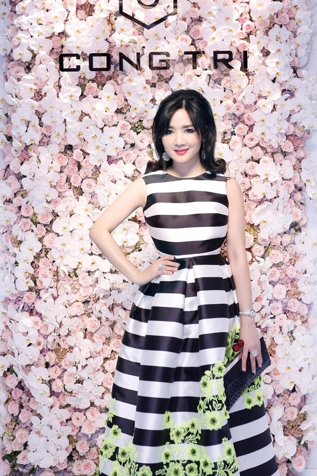 Bởi ngoài vẻ đẹp của một Hoa hậu, Giáng My còn là một nữ doanh nhân thành đạt. Cô điều hành rất nhiều công ty và thi thoảng vẫn dành thời gian tham gia những show truyền hình để thỏa mãn đam mê nghệ thuật của mình.