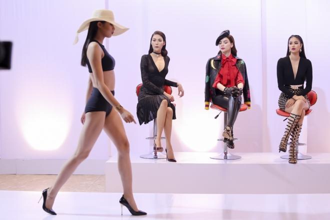 Nguyễn Thị Thành cũng là thí sinh có phần trình diễn khá tốt mặc dù đang gặp áp lực chuyện gia đình.