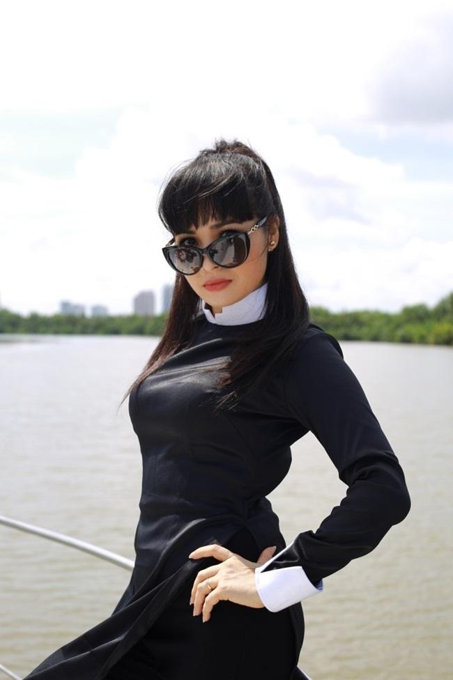 Nhưng với sự yêu nghề, tâm huyết với chương trình và bằng kinh nghiệm bản thân. Trước tiên Trang Nhung muốn cống hiến cho chương trình để đây là một truyền hình thực tế hấp dẫn và sạch sẽ.