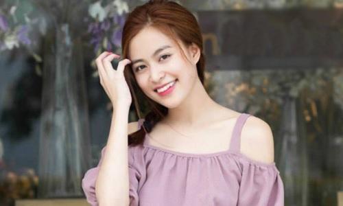 Năm 2008, ngoài các hoạt động trong lĩnh vực âm nhạc, Hoàng Thùy Linh còn làm người mẫu ảnh quảng cáo thời trang, và làm gương mặt đại diện cho một trò chơi điện tử trực tuyến