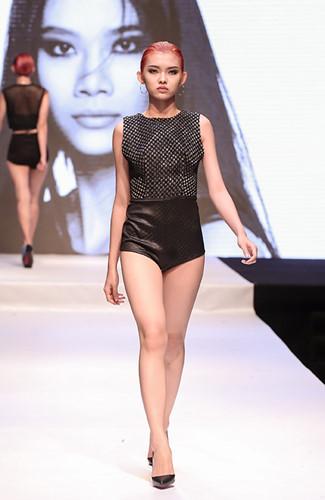 Lần đầu tiên tham gia vào chương trình Vietnam's Next Top Model nhưng Nguyễn Thiếu Lan đã từng là thí sinh của nhiều cuộc thi khác như Hoa hậu Việt Nam 2016, Miss Sunplay 2016, Miss Áo dài Nữ sinh Việt Nam 2014. Là một cô gái có vẻ ngoài xinh đẹp, gợi cảm.