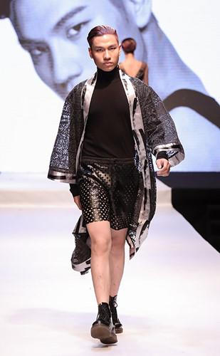 Là thí sinh nằm trong Top 20 cuộc thi Top Model Online nhằm chọn ra gương mặt thí sinh đầu tiên bước vào Nhà chung Vietnam's Next Top Model 2016, Phạm Gia Long đã để lại ấn tượng tốt nhờ sự ngoan ngoãn, lễ phép và khả năng tạo dáng tự tin trước ống kính, bất kể chiều cao không phù hợp với Tiêu chuẩn của một người mẫu nam.