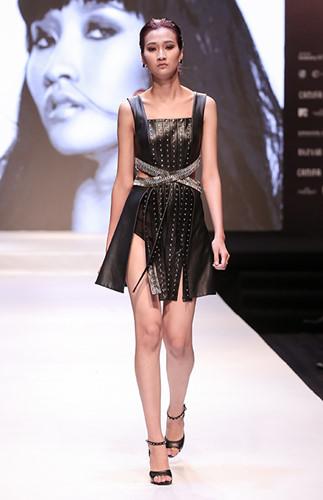 """Sở hữu ngoại hình cao ráo xinh xắn nhưng còn non nớt và chưa có kinh nghiệm trình diễn người mẫu, tuy nhiên nhờ niềm yêu thích và muốn thử sức bản thân nên với tiêu chí """"Phá bỏ mọi giới hạn"""", Thùy Trang đã mạnh dạn ghi danh dự thi Vietnam's Next Top Model mùa 7."""