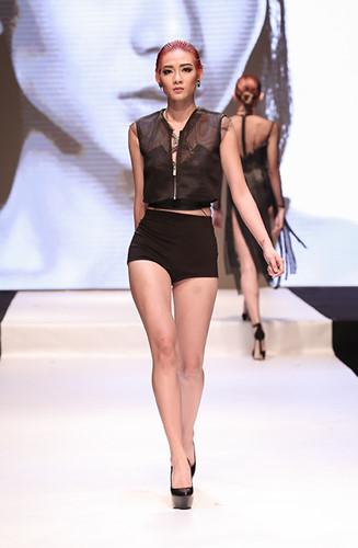Là thí sinh đạt được lượt yêu thích lớn nhất khi tham gia vào cuộc thi Top Model Online, Kim Nhã đã gây được sự chú ý rất nhiều khi là thí sinh đầu tiên giành được tấm vé vàng vào nhà chung. Là một thí sinh đã nổi tiếng trên mạng xã hội với tư cách là thành viên của nhóm hài đình đám BB&BG, Kim Nhã sở hữu một lượng lớn fan hâm mộ. Đây cũng là một lợi thế cũng như áp lực của cô khi tham gia vào Vietnam's Next Top Model 2016.