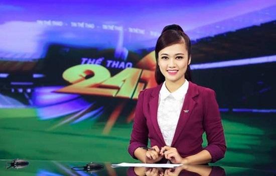 Trong khi hàng nghìn người dân Việt Nam đồng lòng, nhất trí bày tỏ ý kiến của mình trước tình hình Biển Đông, khẳng định chủ quyền về biển đảo của Việt Nam thì dòng trạng thái này của nữ biên tập viên VTV khiến nhiều người không khỏi tức giận và bức xúc.