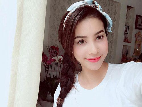 Vẻ đẹp của Phạm Hương hiện được đánh giá là toàn diện nhất.