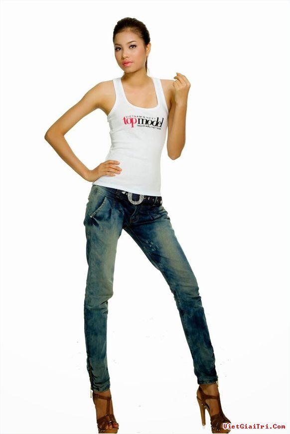 Phạm Hương đang là một cái tên gây sốt trên các trang mạng xã hội. Cô cũng đang là hoa hậu được nhiều người yêu mến và hâm mộ đông đảo nhất trong các người đẹp Việt Nam ở thời điểm hiện tại.  Tuy nhiên, để có được ánh hào quang rực sáng như ngày hôm nay, mỹ nhân họ Phạm đã phải trải qua rất nhiều cuộc thi lớn nhỏ về sắc đẹp và người mẫu trên cả nước.