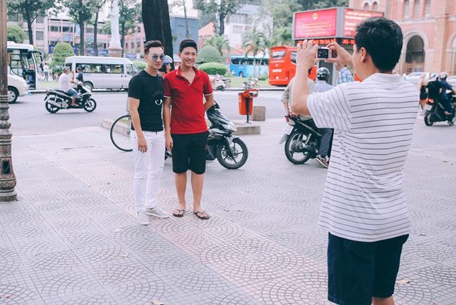 Chính vì vậy, Thành Trung quyết định thư giãn trước khi về Hà Nội tại một quán cà phê anh yêu thích khi mỗi lần ghé Sài Gòn.