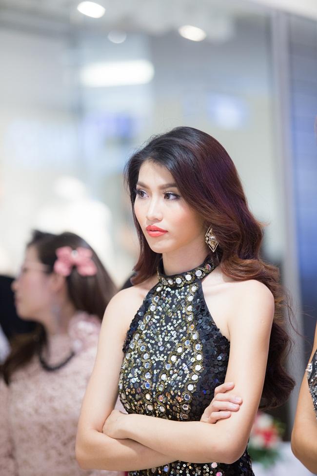 Tại đây, Quỳnh Châu đảm nhận vai trò MC cho chương trình.
