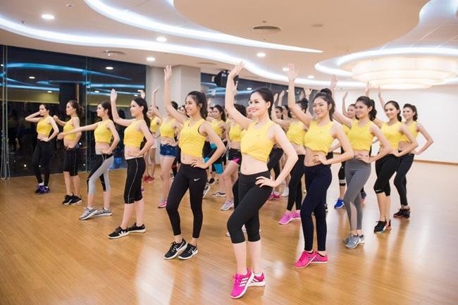 Chính những hoạt động sôi nổi liên tục đòi hỏi các thí sinh phải giữ gìn sức khoẻ để có thể  rạng rỡ tham gia xuyên suốt.