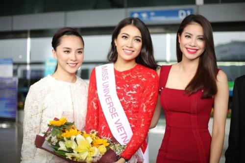 Hoa hậu Phạm Hương ra tận sân bay tiễn Lệ Hằng đi thi