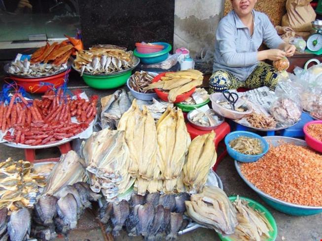 Cá khô được bày bán ở nhiều khu chợ