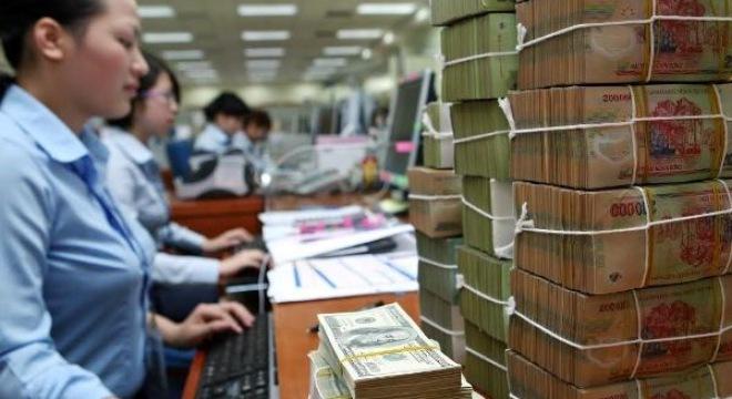 Nhân viên ngân hàng tỏ ra khá kì vọng vào tiền thưởng tết 2015