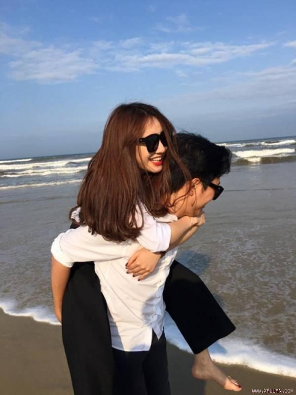 Tháng 11/2015, Trường Giang đăng tải clip Nhã Phương gửi những lời yêu thương đến anh cùng dòng trạng thái đính kèm: 'Anh sẽ lo cho em phần đời còn lại', mọi người mới xác thực chính thức được tin đồn hẹn hò trước đó của cặp đôi này.