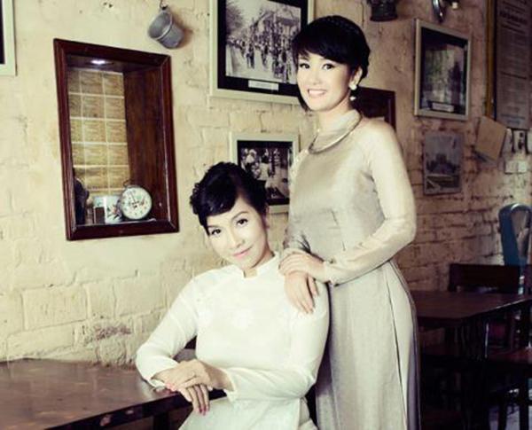 Ca sỹ Hồng Nhung, Mỹ Linh được coi là 2 Diva nổi tiếng ở Việt Nam. Mỗi người đều sở hữu những dinh thự tiền tỷ sang trọng khiến nhiều người không khỏi ngưỡng mộ.