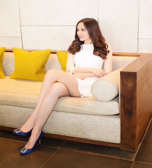 Mai Phương Thúy nổi tiếng với chiều cao khủng và đôi chân ấn tượng có chiều dài 'kỷ lục' 1m18,75. Không những thế, đôi chân của Mai Phương Thúy còn rất đẹp, mềm mại và thẳng tắp chứ không hề gầy gò, 'cò hương' như đa số nhiều người mẫu khác.