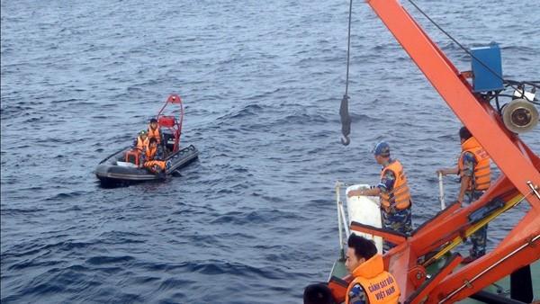 Lực lượng cảnh sát biển tham gia tìm kiếm máy bay CASA 212