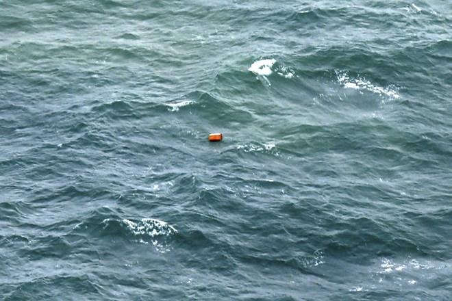 Đã tìm thấy xác nạn nhân và mảnh vỡ máy bay AirAsia mất tích ngoài biển