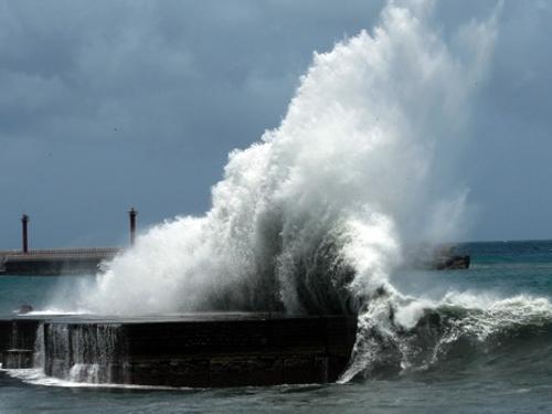 Do ảnh hưởng của cơn bão số 3, trên Biển Đông sẽ có gió mạnh cấp 6-7, giật cấp 9-10