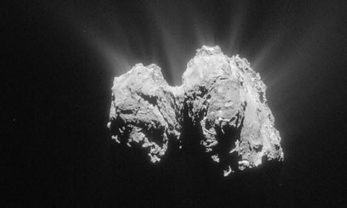 Sao Chổi 67P Churyumov-Gerasimenko chụp từ tàu vũ trụ Rosetta hôm 3/5. Ảnh ESA