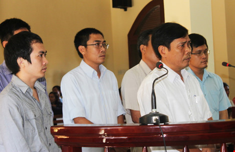 Lần đầu tiên, phiên tòa xử vụ án dùng nhục hình ở Phú Yên có sáu bị cáo, trong đó bị cáo mới nhất là Phó Công an TP Tuy Hòa Lê Đức Hoàn