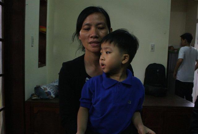 Chị Ngọc bàng hoàng kể lại nghi án bắt cóc trẻ em xảy ra vào tối 18/4