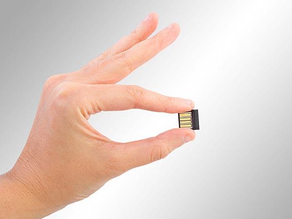 Những chiếc USB trong tương lai sẽ có kích thước của phân tử