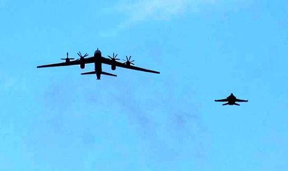 Anh điều chiến đấu cơ 'xua' máy bay ném bom của Nga