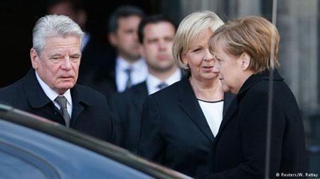 Tổng thống Đức Joachim Gauck, Thủ tướng Angela Merkel tới dự quốc tang tưởng niệm các nạn nhân xấu số