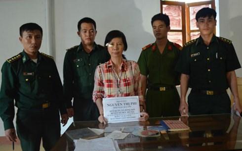 Tin tức mới cập nhật hôm nay cho biết công an Hà Tĩnh đã phối hợp bắt giữ đối tượng mang tài liệu phản động về Việt Nam