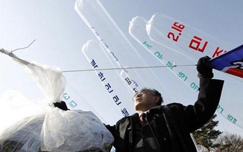 Các nhà hoạt động Hàn Quốc thả bóng bay mang truyền đơn vào Triều Tiên