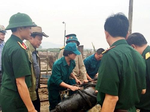 tin tức mới cập nhật hôm nay chi biết lực lượng công binh địa phương ở Nghệ An đã phát hiện và kích nổ quả bom dưới lòng sông