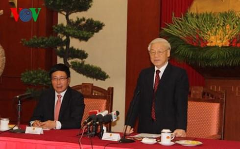 Tổng Bí thư Nguyễn Phú Trọng tiếp các thế hệ cán bộ ngoại giao