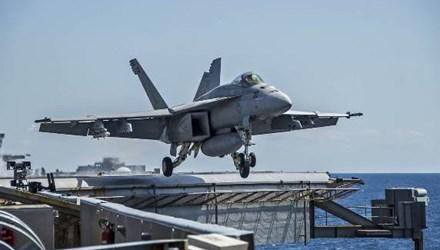 Một chiếc F/A-18 Super Hornet