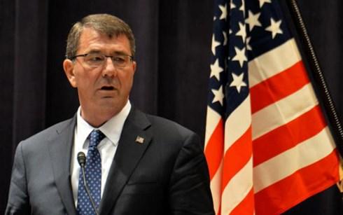 Bộ trưởng Quốc phòng Mỹ Ashton Carter chỉ trích Trung Quốc quân sự hóa Biển Đông, theo tin tức mới cập nhật quốc tế