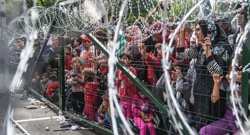 Hungary đã xây dựng hàng rào đóng cửa biên giới với Serbia và Croatia nhằm ngăn chặn người tị nạn, theo tin tức mới cập nhật quốc tế